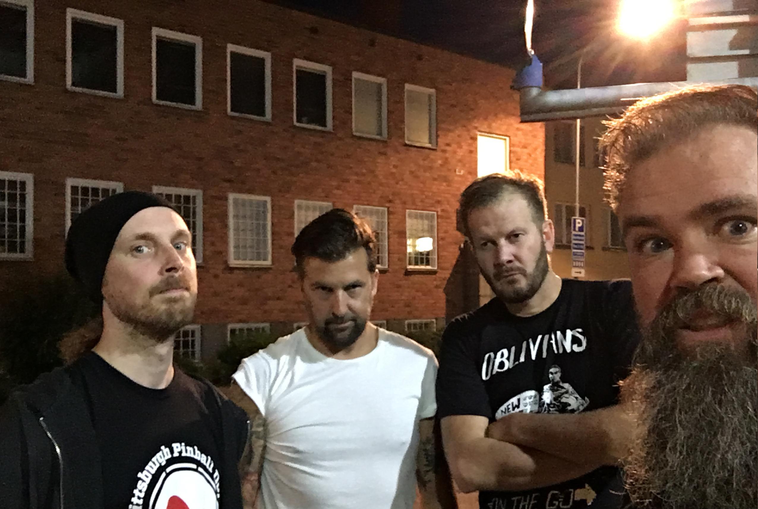 [Musique] Le post du Punk Hardcore Nya_massgrav